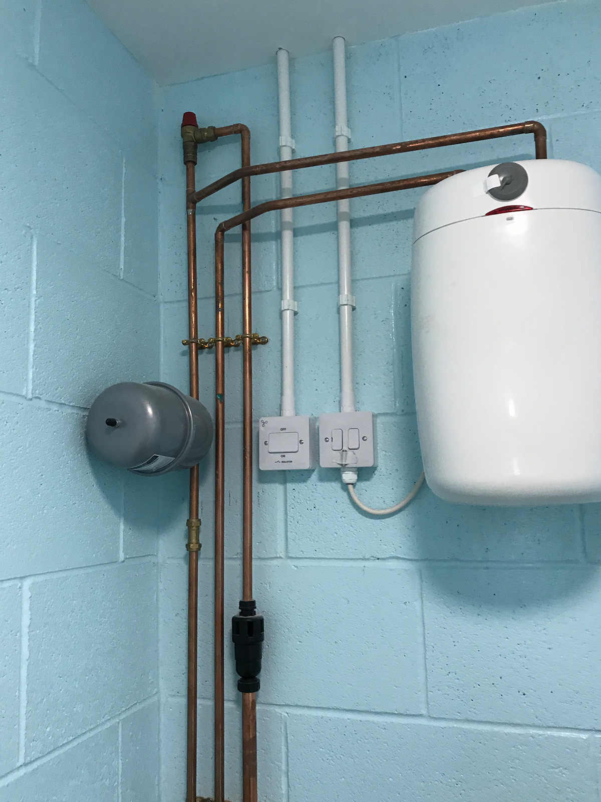 Hot Water Units – Holt Plumbing and Heating